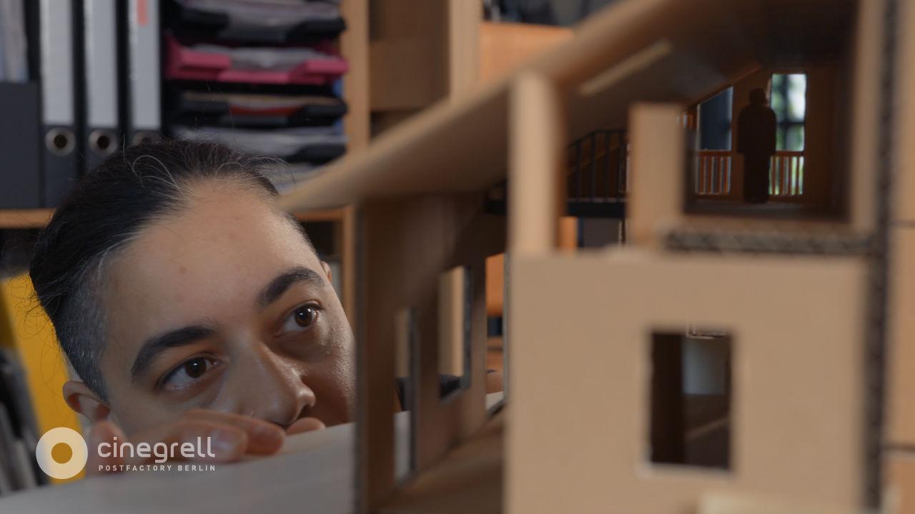 AVE Publishing   Cinegrell Postfactory: Frauen Bauen - Shivani Chakraborty