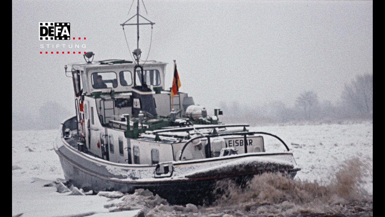PostFactory | DEFA Stiftung: Auf der Oder